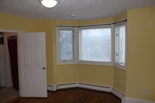 Bedroom (window side)