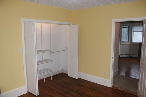 Bedroom (closet side)